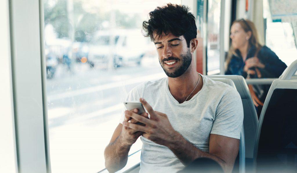 5 raisons de mettre régulièrement à jour son profil sur une appli de rencontre gay