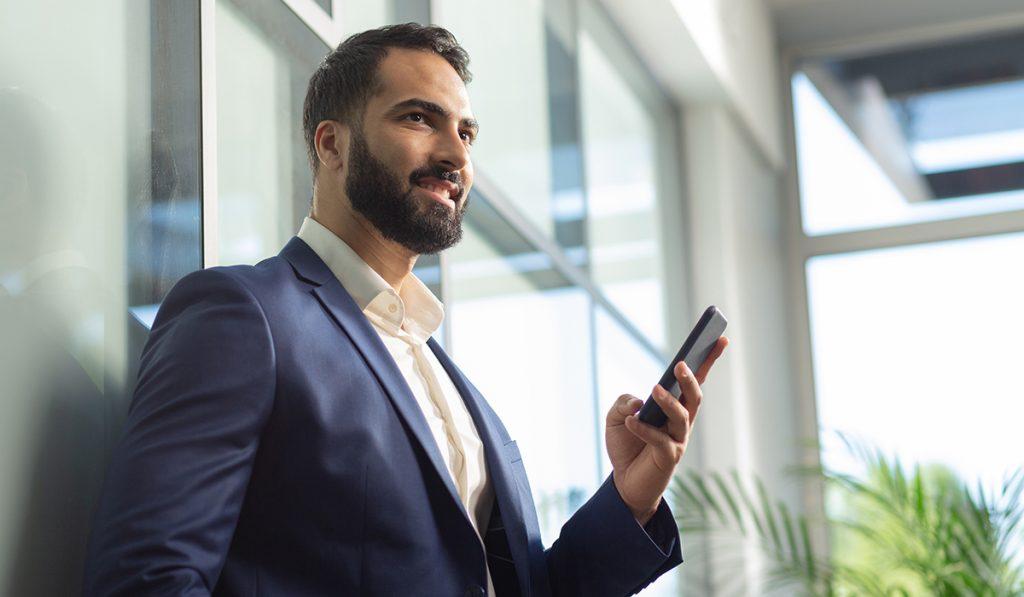 4 conseils pour utiliser son appli de rencontre gay au travail