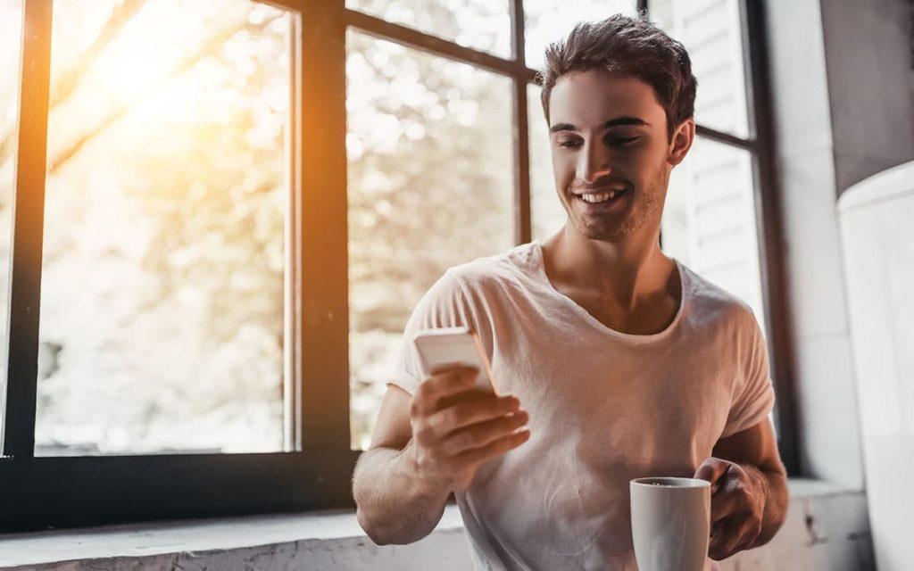 5 astuces pour engager la conversation sur une appli de rencontre gay