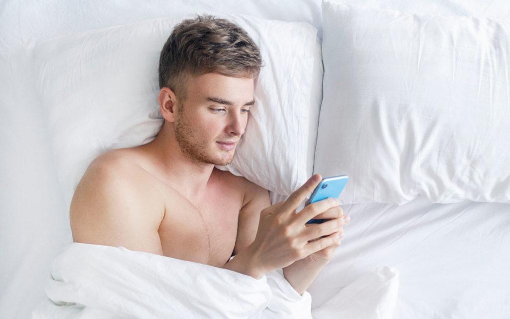 «Plan d'un soir» versus «Amour de sa vie»: comment optimiser ses recherches sur les applis de rencontre gay?